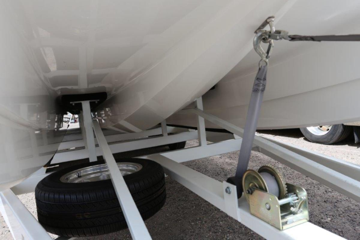2006 Magic Powerboats Scepter, 17