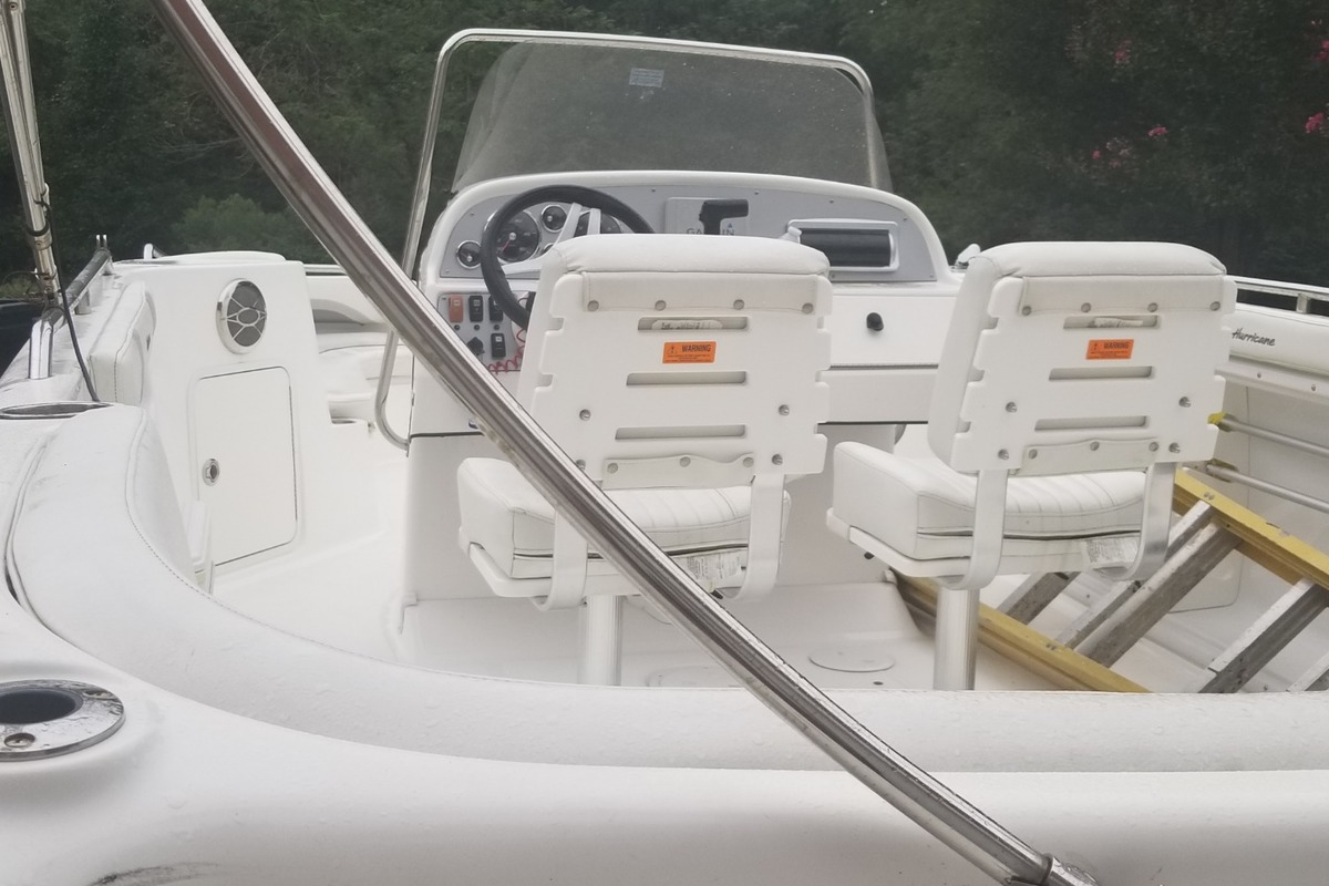 2016 Hurricane Boats 231 CC, 5