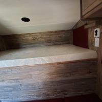 2018 Capri Truck Camper Retreat Package N/A, 4