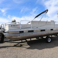 2004 Sun Tracker Signature Series Fishing Barge 21, 2
