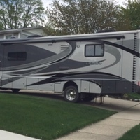2011 Winnebago Adventurer 35P, 14