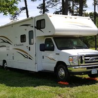 2011 Winnebago Chalet 31CR, 0