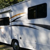 2011 Winnebago Chalet 31CR, 23