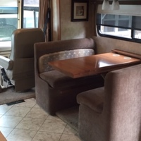 2011 Winnebago Adventurer 35P, 19