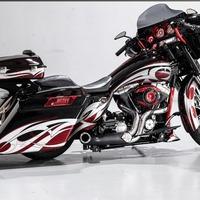 2011 Harley-Davidson FLHX Street Glide, 1