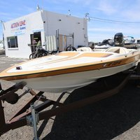 1986 Commander Boats BowRider 16, 17