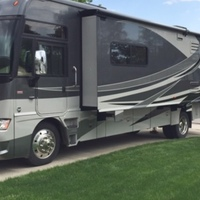 2011 Winnebago Adventurer 35P, 13