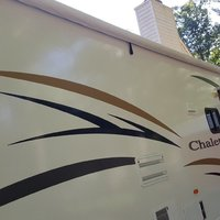 2011 Winnebago Chalet 31CR, 21