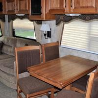 2011 Keystone Montana Mountaineer 326RLT Hickory Edition, 7