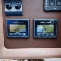 2013 Cobalt Boats 302 w/twin 380 hp Volvos with joystick and hardtop, 20