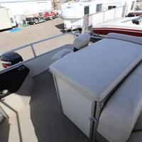 2004 Sun Tracker Signature Series Fishing Barge 21, 15