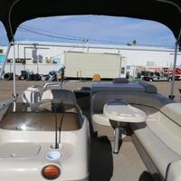 2004 Sun Tracker Signature Series Fishing Barge 21, 13