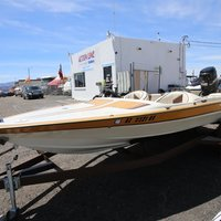 1986 Commander Boats BowRider 16, 4